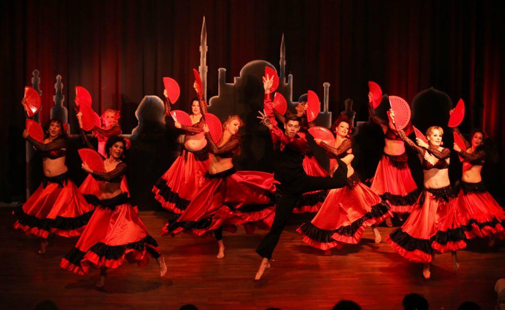 Spanisch-arabischer Tanz - Foto Tony Maher