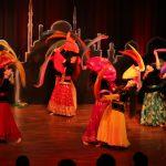 Mojgans Projektgruppe - Persischer Tamburin- und Tüchertanz / Foto: Tony Maher