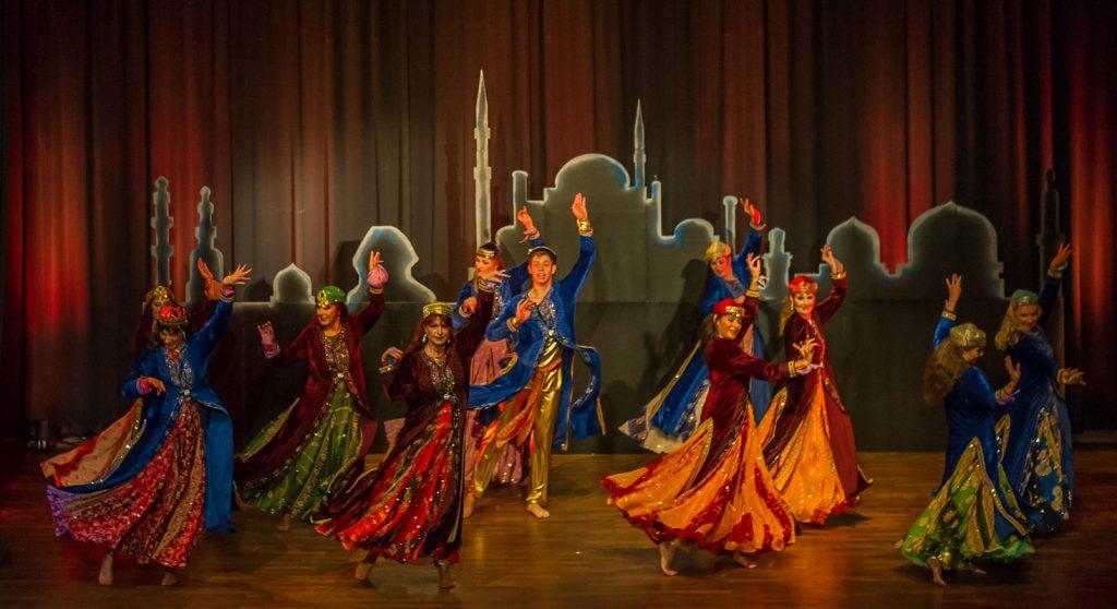 Persischer Tanz Sozaleh - Foto Tony Maher